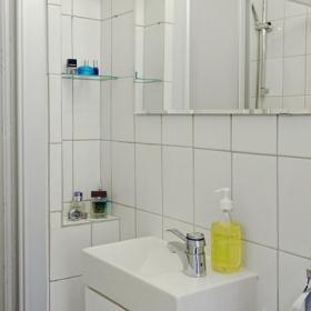宜家風格一居室衛生間洗手盆圖片