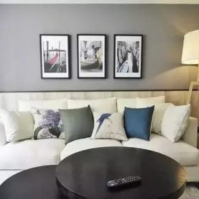 70㎡的小復式公寓客廳沙發背景墻效果圖