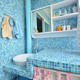 北歐風格小戶型衛生間馬賽克藍色背景墻