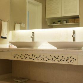 清新現代簡約衛生間洗手臺裝修案例效果圖