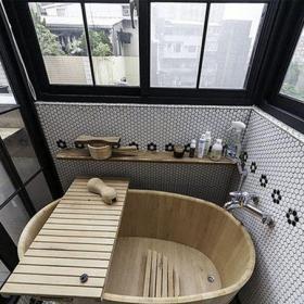 現代工業風一居室衛生間浴室柜裝修圖片