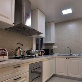 现代简约三居室厨房灯具装修图片效果图