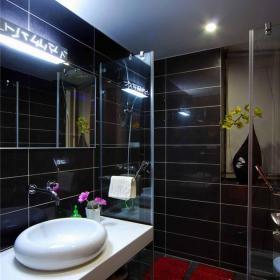 东南亚风格三居室卫生间隔断装修效果图