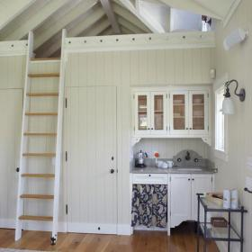 楼梯跃层橱柜白色阁楼清凉北欧小厨房装修效果图