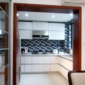 中式風格四居室廚房隔斷裝修效果圖