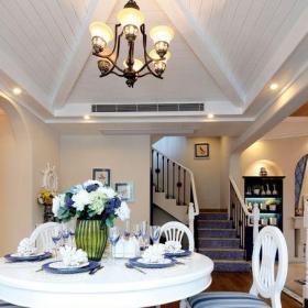 地中海風格五居室餐廳樓梯裝修效果圖欣賞