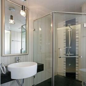 现代简约二居室卫生间隔断装修效果图欣赏