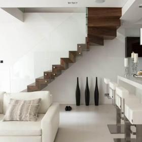 白色美式樓梯效果圖
