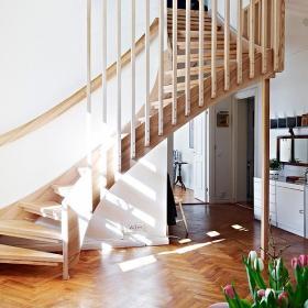 實木家具復式樓過道北歐風格實木轉角樓梯效果圖