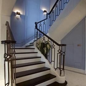地中海風格別墅鐵藝樓梯裝修效果圖