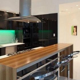 最新現代廚房裝修效果圖吧臺