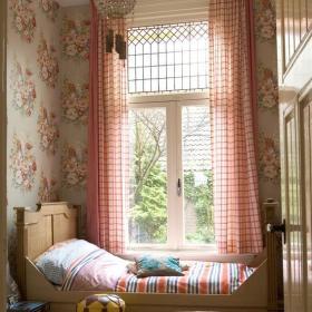 卧室窗帘效果图 粉色卧室窗帘装修图片效果图