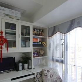 現代簡約三居室書房飄窗裝修效果圖