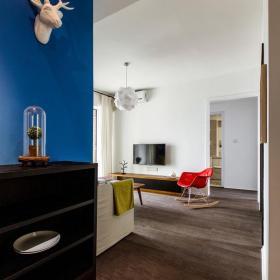 北欧风格客厅玄关木地板装修效果图