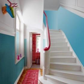 别墅北欧楼梯纯洁的?#35789;?#27004;装修效果图