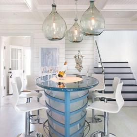 白色复式楼餐桌餐椅灯饰北欧简欧风格吧台吊顶设计装修效果图