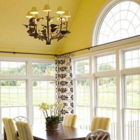 80平地中海风格婚房阳台背景墙装修图片起居室效果图