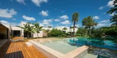 别墅游泳池园林设计效果图
