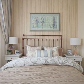 130平地中海三居之卧室床布置效果图